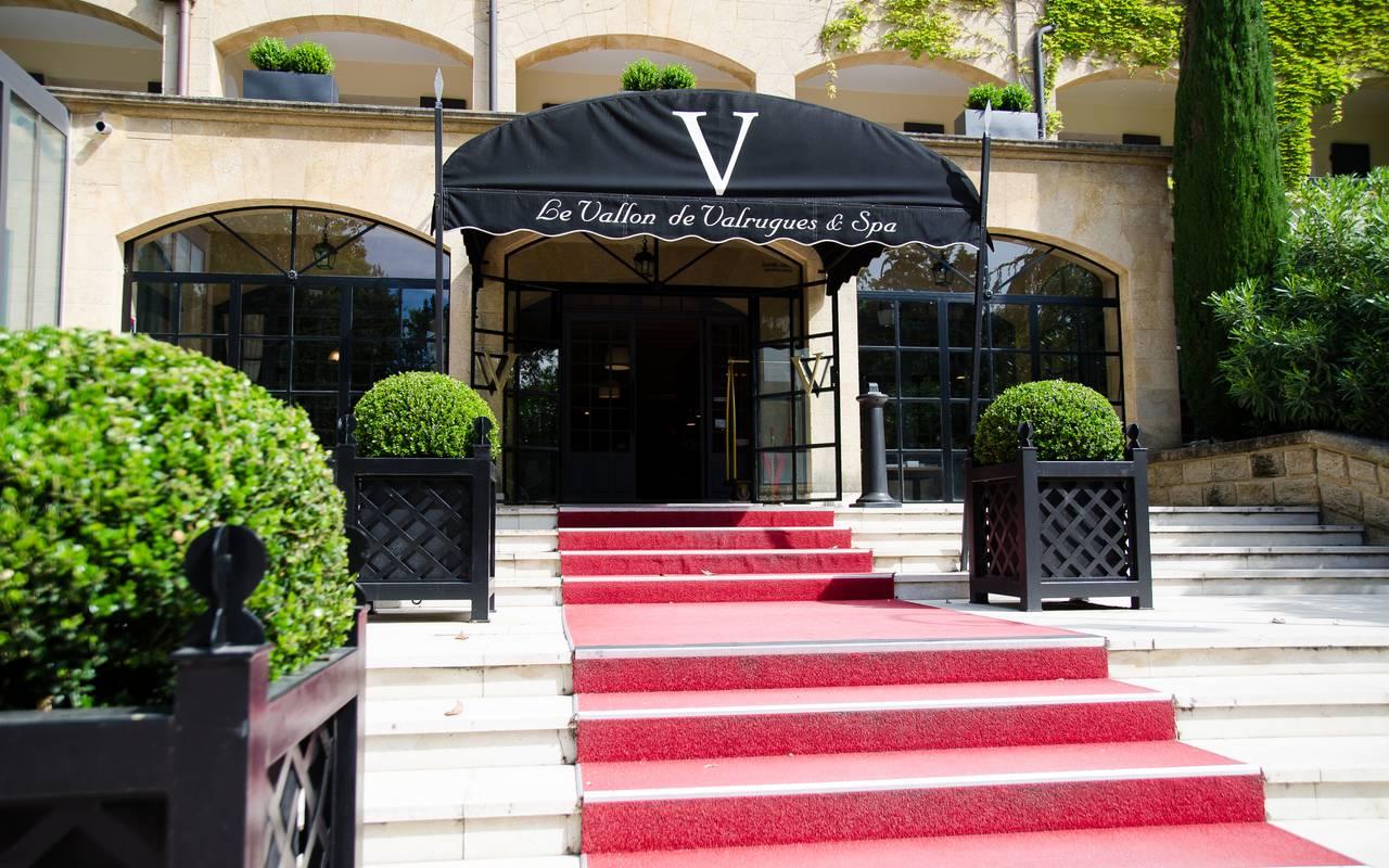 Entrance to our hotels in st remy de provence, La Vallon de Valrugues & Spa.