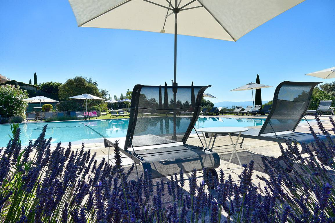 Outdoor pool les bories hotel provence