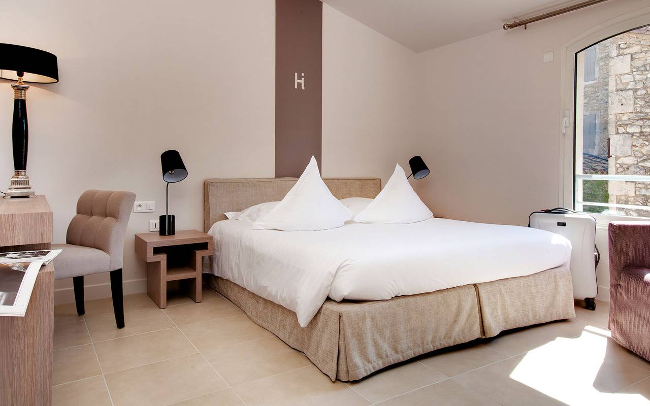 Comfortable room, 4-star hotel Saint-Rémy-de-Provence, hotel de l'Image