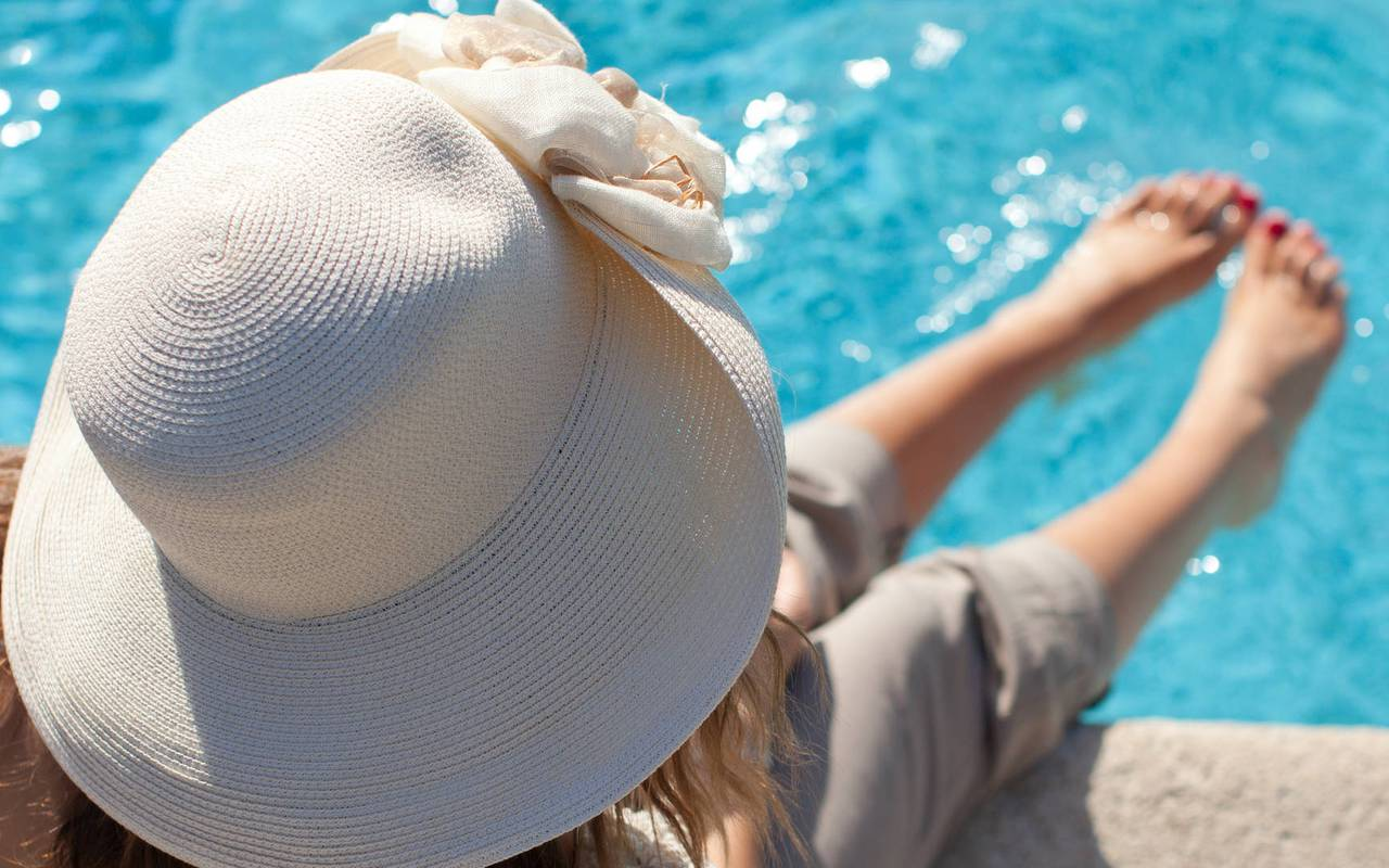 Holiday in hotel with swimming pool for the all family in Provence, restaurant Les Terrasses de l'Image, Hôtels Prestige Provence