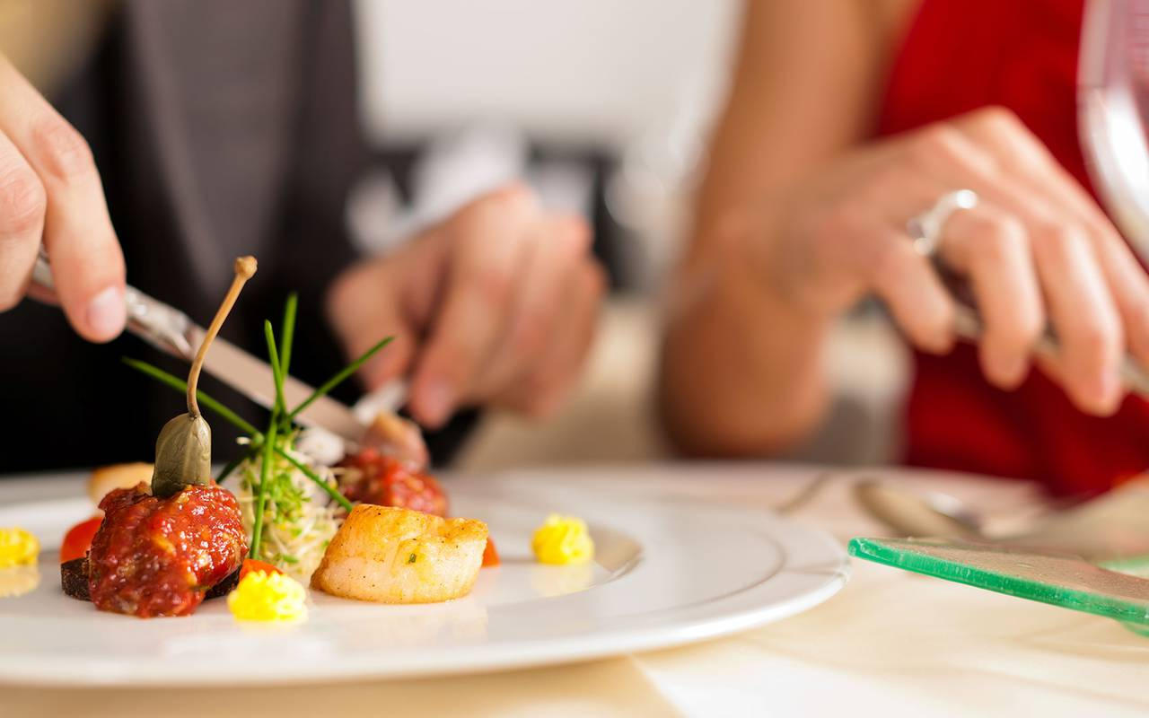 Tasting gourmet dish, boutique hotel provence, Le Vallon de Valrugues & Spa.
