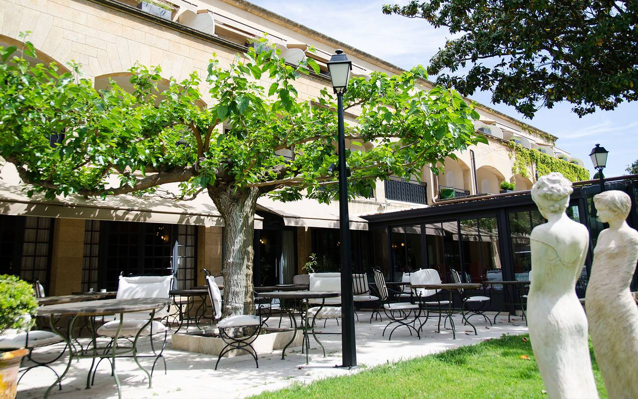 Flowery terrace seminar hotel provence