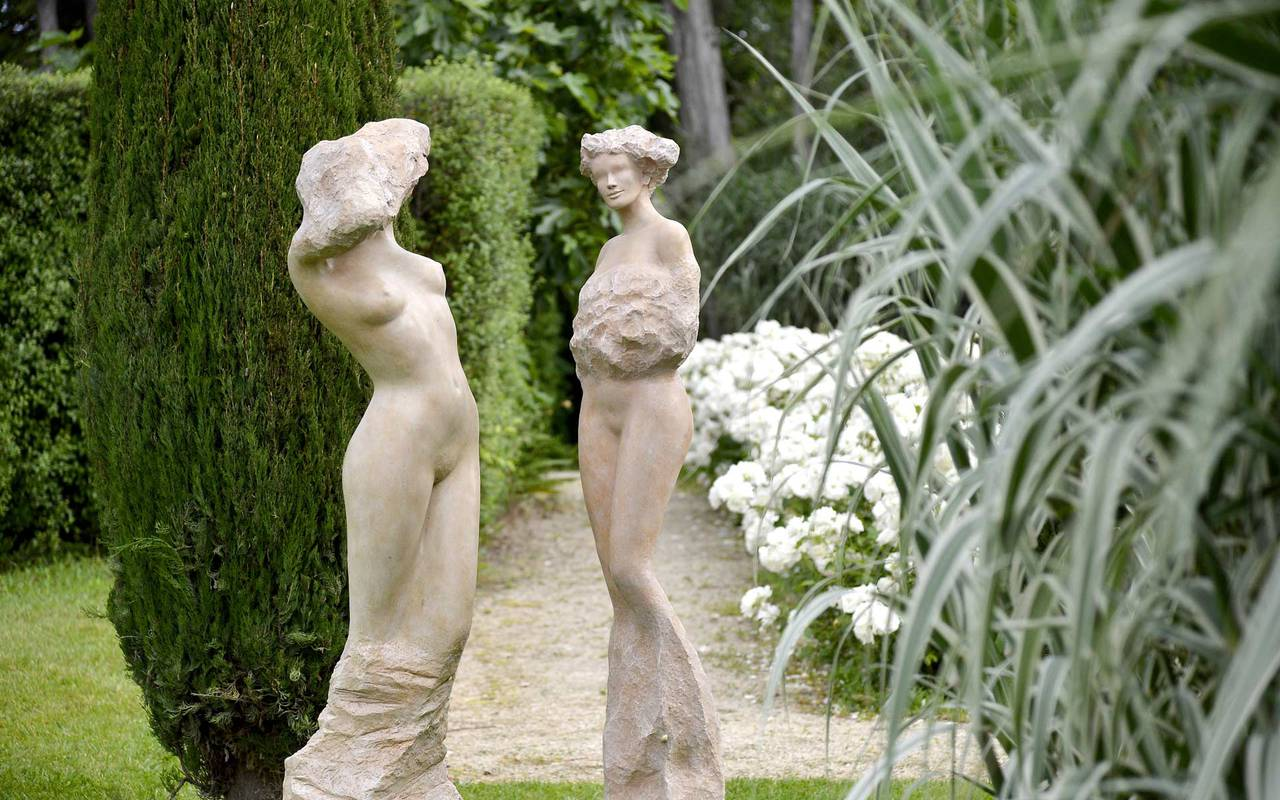 Statue in a garden charming hotel Provence