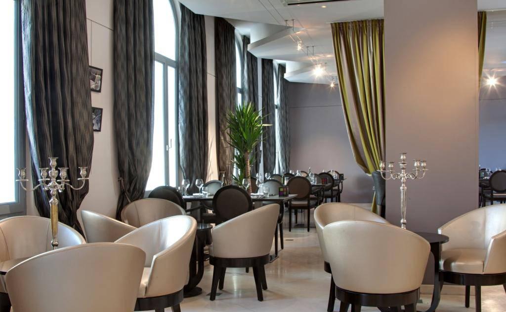 Warm atmosphere hotel restaurant spa Saint-Rémy-de-Provence