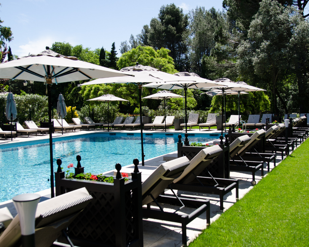 Outdoor swimming pool hotel saint remy de provence
