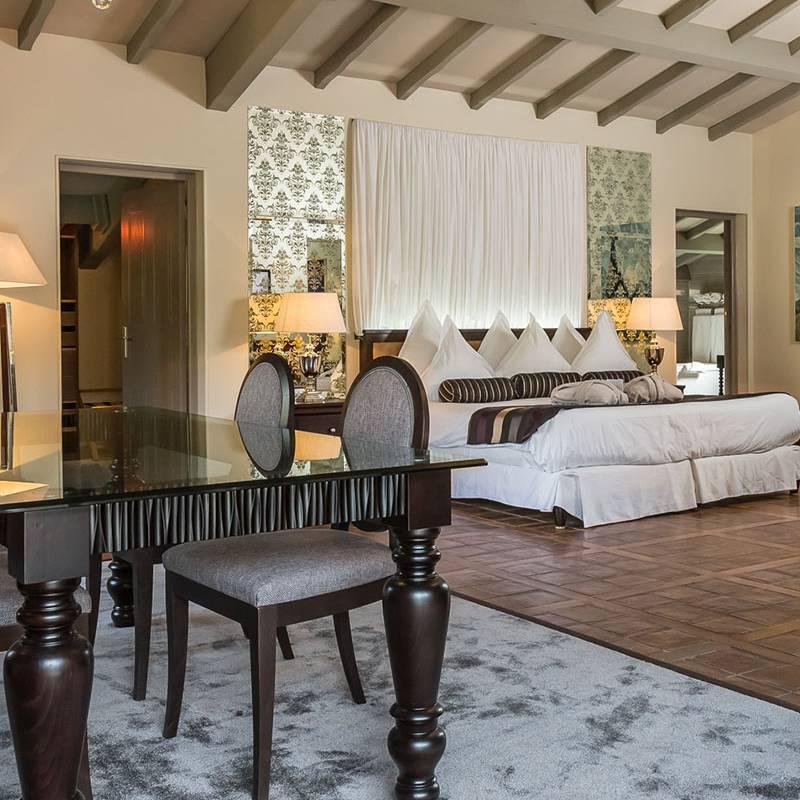 Suite luxueuse hôtel de luxe provence