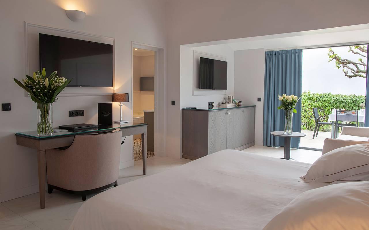 Chambre luxueuse, hôtel 5 étoiles à Gordes, hôtel Les Bories