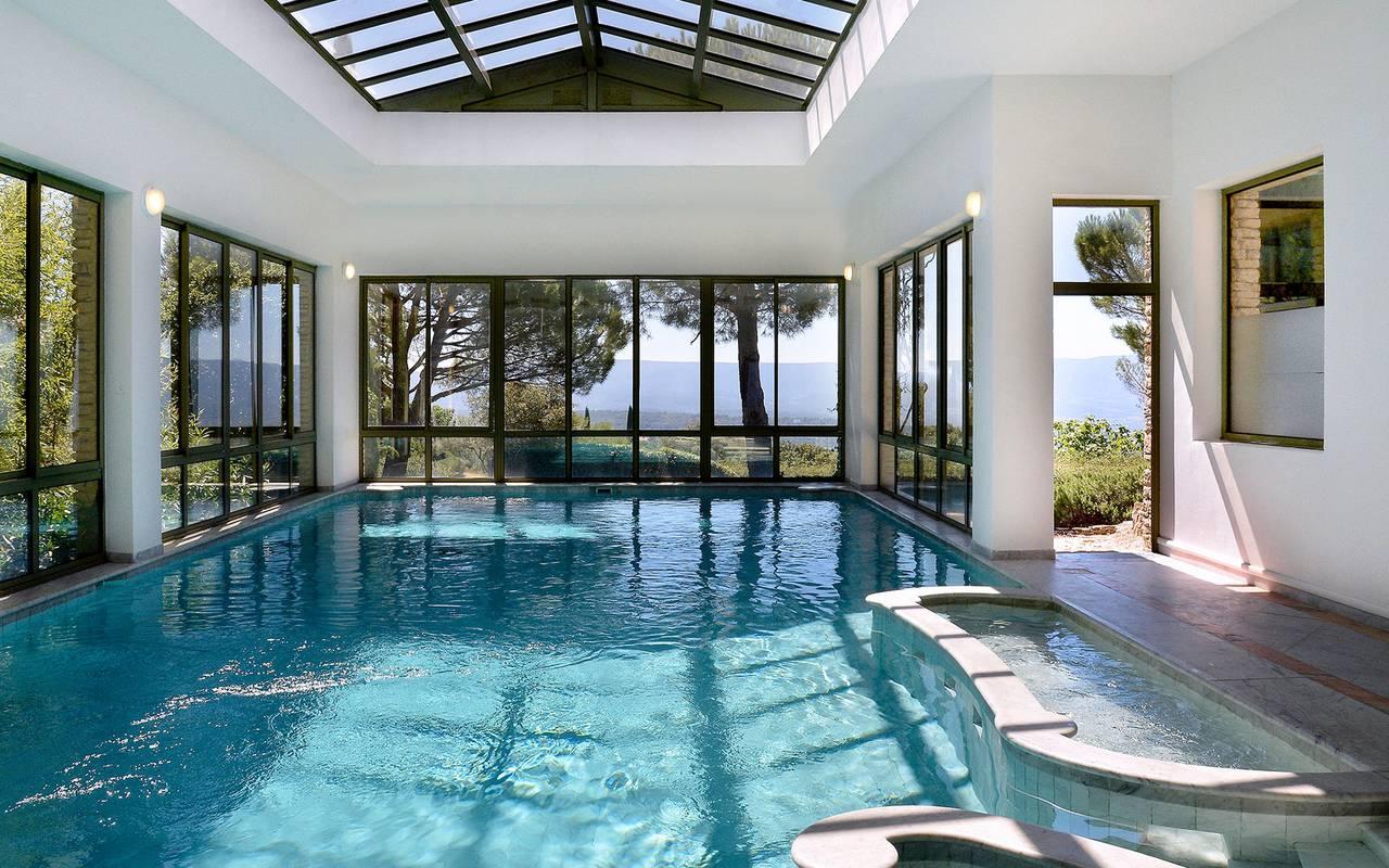 Espace relaxation spa avec piscine, hôtel 5 étoiles à Gordes, hôtel Les Bories