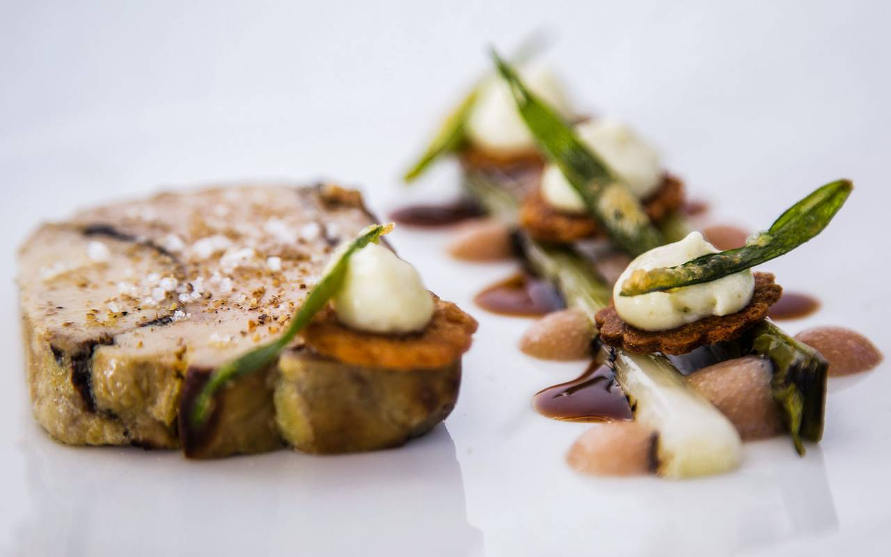 Plat raffiné du restaurant, hôtel 5 étoiles Saint-Rémy-de-Provence, Le Vallon de Valrugues