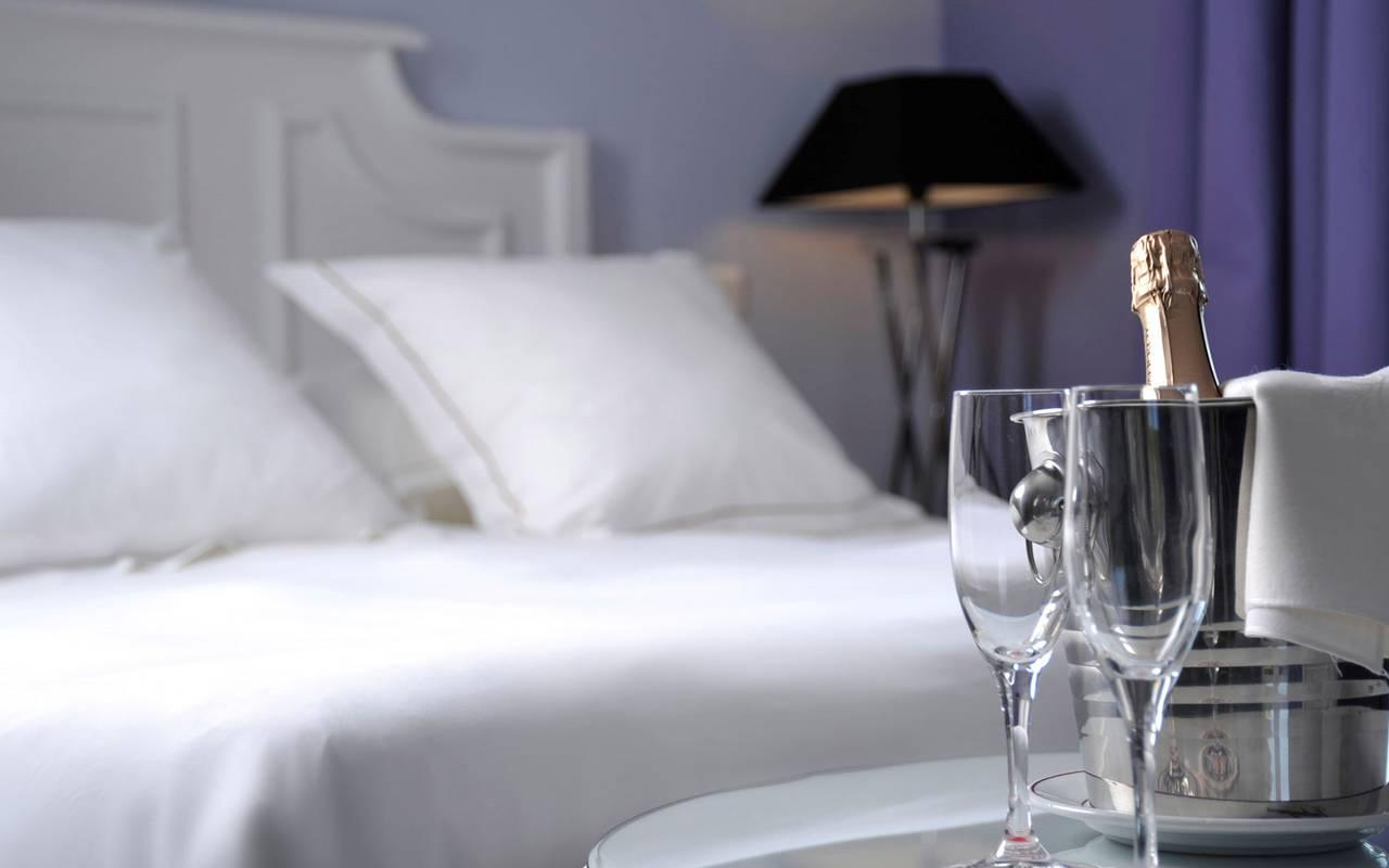Bouteille de chambre hôtel de luxe provence