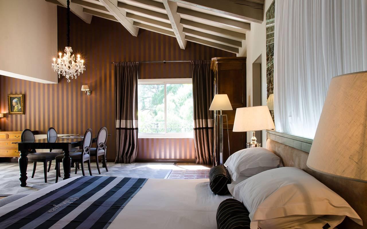 Luxueuse et spacieuse suite hôtel alpilles