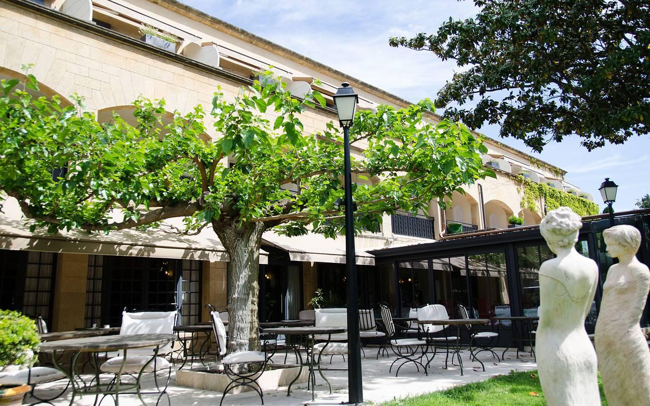 Terrasse du bistrot de l'hôtel spa provence