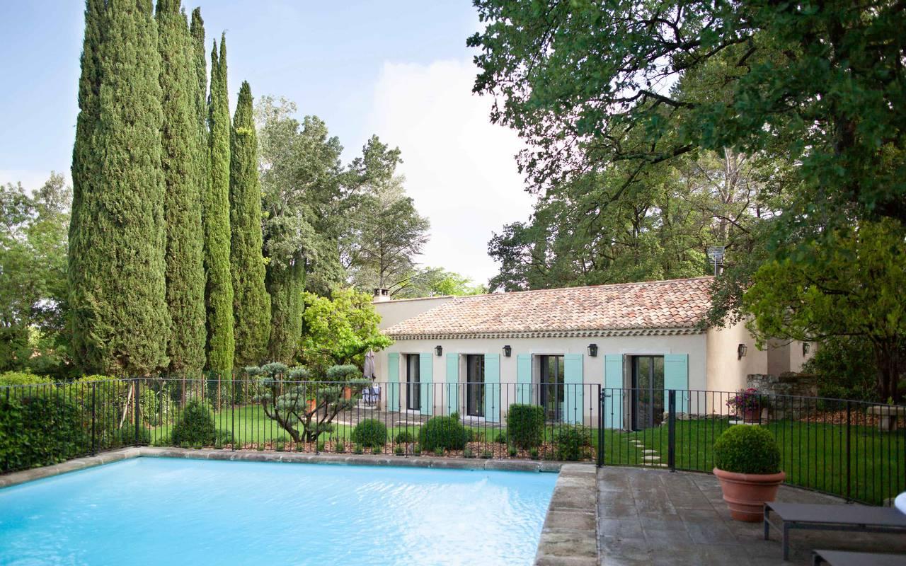 Piscine extérieure luxueuse, villa saint remy de provence, Le Vallon de Valrugues & Spa
