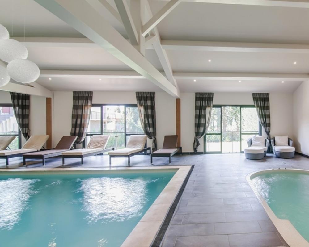 espace spa intérieure cosy hôtel spa provence